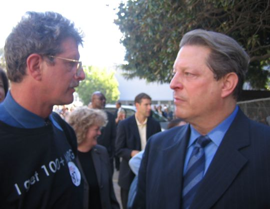 Felix and Al Gore chat after the rally