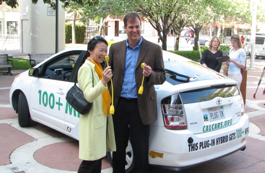 Palo Alto Mayor Kishimoto and CEO Eric Hayes, March 2007