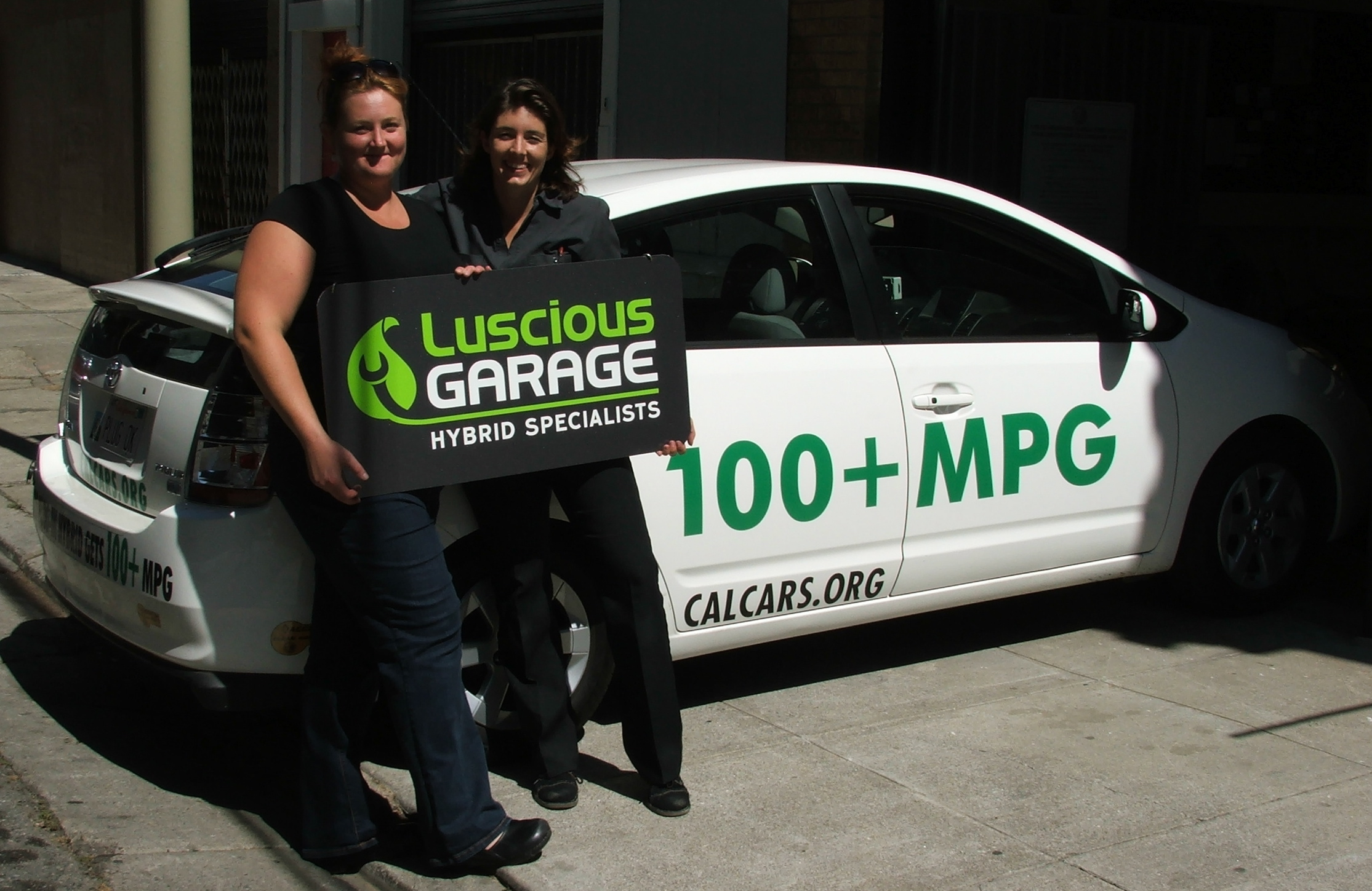Tami Prochorchik And Carolyn Coquillette Opened Luscious Garage In San Francisco September 2007